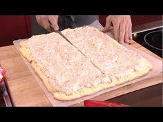 Kokeile tehdä täytekakku uudella tavalla. Hauska kieputuskakku syntyy kääretorttupohjasta. Herkullinen mariannekakku maistuu monelle! Mango, Bread, Make It Yourself, Baking, Food, Manga, Bread Making, Meal, Patisserie