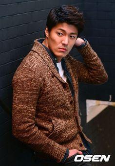 "Képtalálat a következőre: ""Lee Jae-Yoon"" Asian Actors, Korean Actors, Weightlifting Kim Bok Joo, Gorgeous Men, Beautiful People, Lee Jae Yoon, Jo In Sung, Hot Asian Men, Hallyu Star"