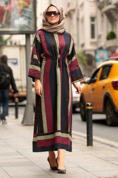 Nayla Collection - Desenli Tesettür Elbise 50745DSN Islamic Fashion, Muslim Fashion, Modele Hijab, Hijab Trends, Kids Dress Patterns, Hijab Fashionista, Sleeves Designs For Dresses, Muslim Dress, Daily Dress