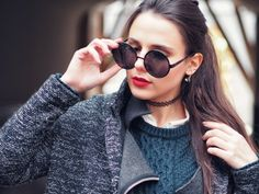Preppy outfit with red lips on A Handful of Stories.