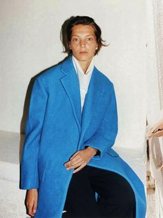 Daria Werbowy photographed by Juergen Teller for Céline Fall/Winter 2012 Ad Campaign. Juergen Teller, Fashion 2020, Daily Fashion, Celine Campaign, Stand Collar Shirt, Daria Werbowy, Phoebe Philo, Blue Coats, Klein Blue