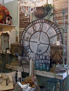 Big clock Big Clocks, Wall Clocks, Booth Ideas, Display Ideas, House Beautiful, Beautiful Homes, Garden Clocks, Oversized Clocks, Staging Furniture