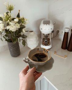 Aesthetic Coffee, Aesthetic Food, Coffee Love, Coffee Art, Fancy Tea Cups, Coffee Candle, Cafe Food, Coffee Recipes, Beautiful Interiors