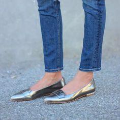 sapatilhas-bico-fino-prateada