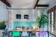 Loft in Amsterdam, Nederland. Former garage rebuild as a loft space at great…