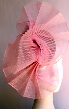 HATS BY FELICITY I like the interplay of pleats with horsehair (crin) and sinamay. #millinery #judithm #hats