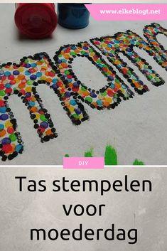 Tas stempelen voor moederdag - elkeblogt #middenbouw #bovenbouw #moederdag #knutselen