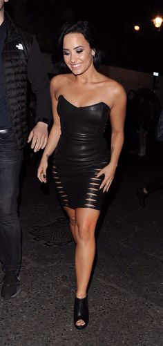 Demi Lovato out in London, United Kingdom - September 10th