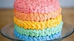 I cant get enough of the rainbow (and double rainbow!) trend. Which is why I loved making this Vanilla Rainbow Cake inspired by the ombre cakes from 60s and 70s!