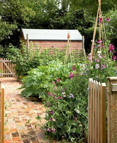 Phenomenal 23 Cottage Garden Design Ideas https://fancydecors.co/2017/12/27/23-cottage-garden-design-ideas/ Make sure that you pick a garden shed design that offers you the right quantity of storage pace you are going to need. / Magic Garden <3
