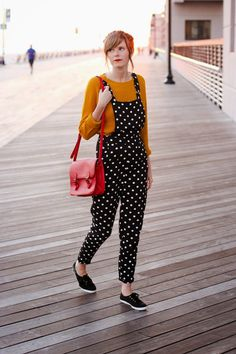mustard + navy on the long beach boardwalk ♥ |Steffys Pros and Cons | NYC Vintage Fashion Blog