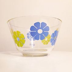 Excited to share this item from my #etsy shop: VINTAGE | lime green & blue 1960s daisy print glass Colony mixing bowl #retrodaisy #1960sdaisy #retroflower #limegreen #blueflower #1960sflowers #vintageflowers #blueandgreen #icebucket