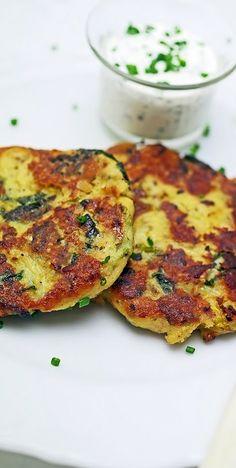 stuttgartcooking: Kartoffel-Wirsing-Bratlinge mit einer kalten Schnittlauch-Sauce