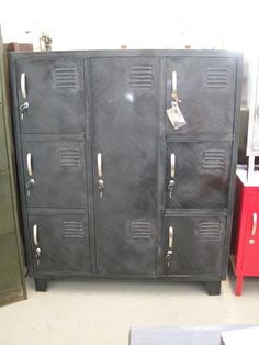 Military Foot Locker Wardrobe Cabinet With 4 Drawers And