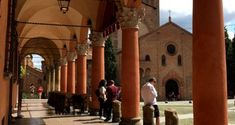 Bologna: Arcades, History and Mediterranean Colors - Routes and Trips Roman Roads, Tourist Office, Yellow Houses, Red Roof, Town Hall, Weekend Trips, Bologna, Old Town, Arcade