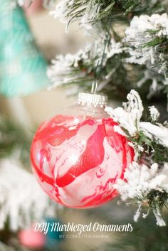 A Handmade Holiday : DIY Ornaments