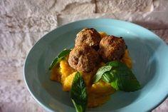 Lust ein herbstliches Gericht? Wie wäre es mit einem wunderbaren Kürbis Kartoffel Püree l Stampf mit Fleischklösschen. Soo gut. Das Rezept gibt es auf meinem Foodblog aus Köln.