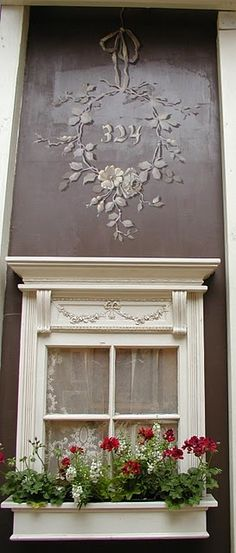 LOVE wonderful window and embellishment!  -- France --