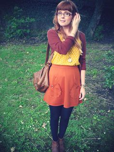 Vicki blogs about fashion from Northern Ireland and she is simply precious. Ireland Fashion, Uk Fashion, Winter Dresses, Northern Ireland, Passport, Lifestyle Blog, Cloths, Personal Style, Goals