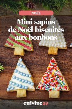 Les mini sapins de Noël biscuités aux bonbons sont des pâtisseries à réaliser avec les enfants. #recette#cuisine#biscuit#patisserie #bonbons #noel#fete#findannee #fetesdefindannee Caramel, Macaron, Sugar, Cookies, Christmas Ornaments, Holiday Decor, Desserts, Sweet Cookies, Candy Bars