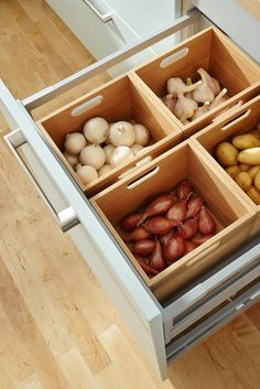 Ramd Home: Awesome And Simple Kitchen Storage and Organization Ideas Diy Kitchen Storage, Kitchen Drawers, Kitchen Cabinet Design, Interior Design Kitchen, Fridge Drawers, Kitchen Cabinets, Interior Ideas, Apartment Kitchen Organization, Kitchen Soffit