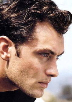 Jude Law. Ohmahgod. New obsession, guys...
