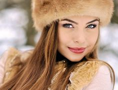 Russian women are the most beautiful women with their flawless, impeccable & youthful skin. Know the secrets behind the Russian beauty makeup, diet & fitness. High Street Fashion, Best Dating Apps, Free Dating Sites, Russian Dating Site, Girl Faces, Mode Statements, Gta San Andreas, Woman Meme, Femmes Les Plus Sexy