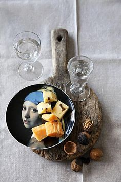 Jenever en Friese nagelkaas gin with Frisian cloves cheese! German Cheese, English Cheese, Dutch Cheese, French Cheese, Italian Cheese, Typical Dutch Food, Types Of Cheese, Best Cheese, Homemade Cheese