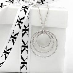 #diamondpendant#bykalfinjewellery#cbdjewellers#custommade#diamondjewellery#engagementringsmelbourne#diamondringsmelbourne#melbourne#artdeco#diamondhalorings#jewellersmelbourne www.kalfin.com.au