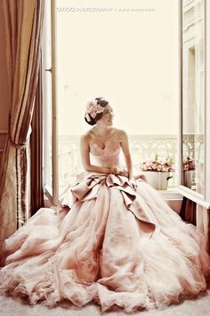 Pale Pink Strapless Deep Sweetheart Neckline and Tulle Ball Gown Wedding Dress ♥ Romantic Wedding Photography by Axioo