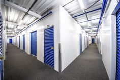 What to choose when moving: POD or a traditional storage unit? Metal Storage Containers, Storage Pods, Self Storage Units, Storage Spaces, Pods Moving And Storage, Moving Overseas, Storage Facility, Moving Tips, Outdoor Storage