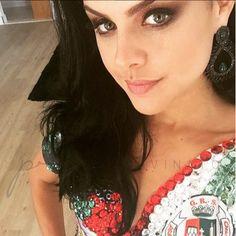 Paloma Bernardi usa Brinco Mari Jet Verde.   www.priacessorios.com.br