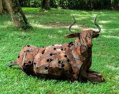 Sri Lankan sculptor Prageeth Manohansa recently held his first solo exhibition in Singapore's Galerie Steph, which includes a series of life-sized animal sculptures made out of recycled scrap metal. He started using found metal objects to create art since 2005, when he graduated with a Bachelor of Sculpture from the University of Kelaniya, Sri Lanka. [...] #bachelorofarts