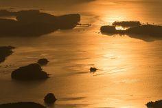 하동 금오산 정상에서 바라보는 일출 Sunrise from Mt. Geum-oh and Aegean Sea.