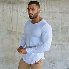 Casual t Shirt Crossfit Fitness Bodybuilding Muscle male Long sleeves Slim fit Shirts Cool Casual Wear For Men, Men Casual, Stylish Men, Boys Lindos, Crossfit Clothes, Dapper Gentleman, Attractive Men, Casual T Shirts, Sexy Men