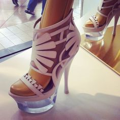 Versace, we love you- but I'm going to take some heel-walking classes before I attempt these! #snapette