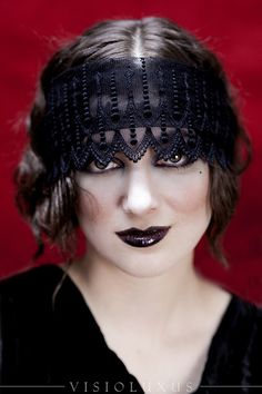 Flapper Makeup Flapper Makeup, Flapper Costume, 1920s Aesthetic, Halloween Hair, Halloween 2017, Halloween Costumes, Dapper Day, Hair Shows, Flapper Style
