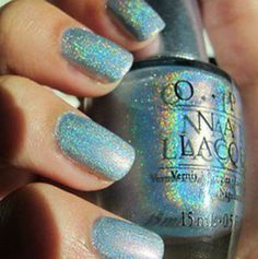 I'm in love with this nail polish!!!