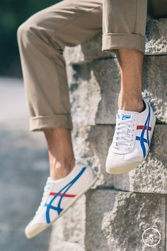 Based on an Olympic Onitsuka Tiger by Asics, the Mexico 66 running shoes are perfect for the races of everyday life.