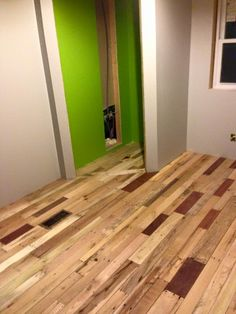 how to lay pallet flooring