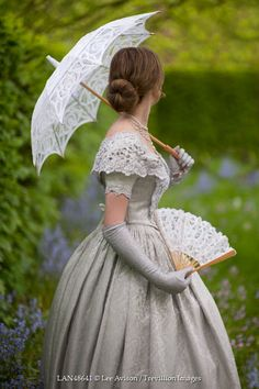 Lee Avison - HISTORICAL WOMAN WITH FAN AND PARASOL - People - Women