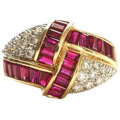 Oscar Heyman Brothers Ruby and Diamond Ring. Oscar Heyman from the 1980's. Still elegant. Signed OHB. In 18k gold. circa 1980s