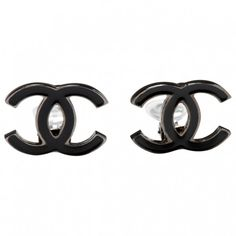 Black Metal Earrings CHANEL ($230) ❤ liked on Polyvore featuring jewelry, earrings, accessories, brincos, chanel, metal jewelry, chanel jewelry, metal earrings and chanel jewellery