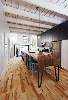 naturehumaine architects of Canada designed this 800 sq ft Montreal home.