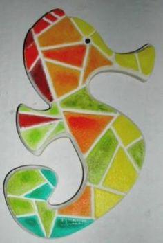 Mosaïque enfant façon puzzle : Hippocampe  Arlequin. Kit artisanal . Les-creatifs.com