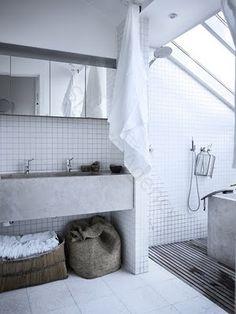 Shower room, white tiles like this? Modern Bathroom Design, Bathroom Interior Design, Minimal Bathroom, Bathroom Designs, Simple Bathroom, Concrete Sink, Concrete Bathroom, Concrete Light, Laundry In Bathroom