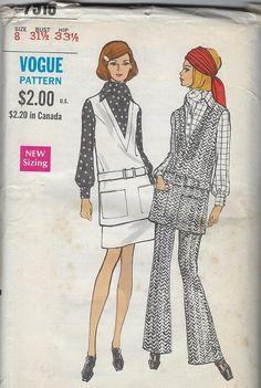 27718f18f0 Vintage Vogue Sewing Pattern Mini Skirt Pants 7516 Size 8 Bust 31-1 2 1960  Uncut Factory Folded