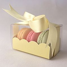 Yellow macaroon box