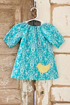 Turquoise girls Peasant Dress. Love the little bird appliqué to finish it off. #sewforgirls
