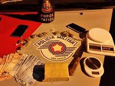 Três homens foram presos por tráfico de drogas na madrugada desta quinta-feira (3) em Igaratá (SP). ...